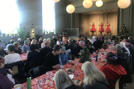 Chelsea Court hosts community lunch